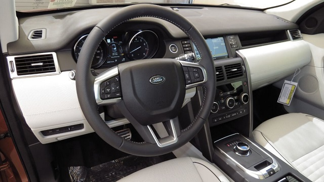 2020 Land Rover Discovery and Discovery Sport cabin