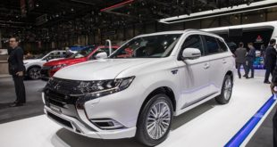 2020 Mitsubishi Outlander and Outlander PHEV