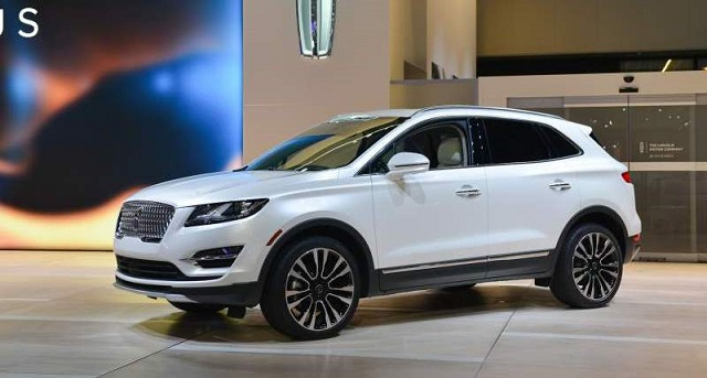 2020 Lincoln MKC side
