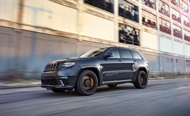 2021 Jeep Grand Cherokee front