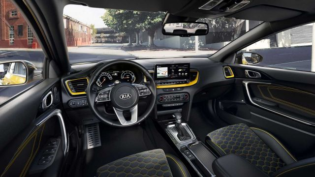2020 Kia XCeed interior