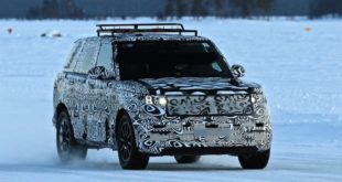 2022 Land Rover Range Rover front