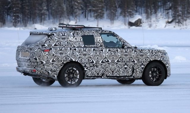 2022 Land Rover Range Rover side